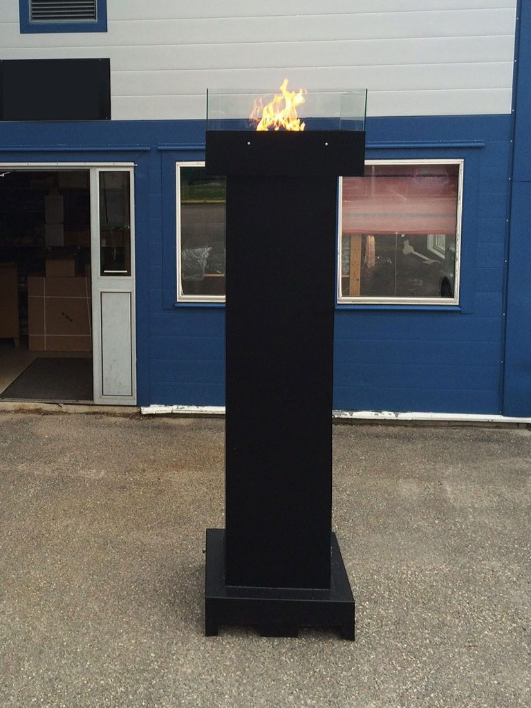 outdoor-gasfeuer-saeule-dekoration